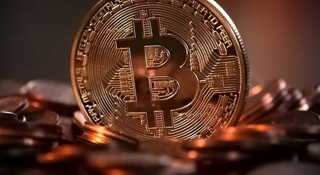 ビットコイン(仮想通貨)投資で副業を始める